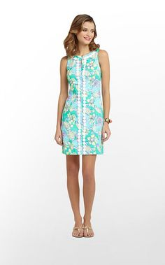 Looking for a perfect dress to wear to graduation? Lilly Pulitzer's Ginny Dress would be perfect at a Hampden-Sydney graduation!