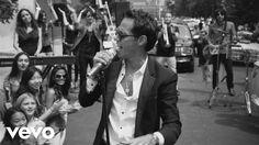 Vídeo oficial de Marc Anthony de su tema 'Vivir Mi Vida'. Haz clic aquí para escuchar a Marc Anthony en Spotify: http://smarturl.it/MarcASpotify?IQid=MarcAVM...
