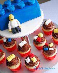 SweetThings: Lego Cake n' Cupcakes