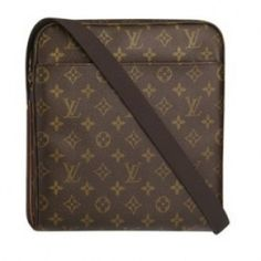c684a1ae5 Louis Vuitton Monogram Canvas Trottuer Beaubourg Brown M97037 Flat and easy  to carry; Adjustable shoulder. Bolsos Para HombreHombresModaLouis ...