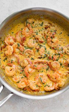Cajun Shrimp Pasta This Cajun shrimp pasta has the most amazing creamy Alfredo sauce, tons of garlic, basil, and sun-dried tomatoes. Serve it with penne, lingu Cajun Shrimp Recipes, Seafood Pasta Recipes, Easy Chicken Dinner Recipes, Easy Meals, Penne Recipes, Noodle Recipes, Shrimp And Sausage Pasta, Cajun Shrimp Pasta, Cajun Pasta Sauce
