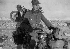 """reparations: """" Gebirgsjäger dispatch rider on a unit-marked BMW R35. """" pin by Paolo Marzioli"""