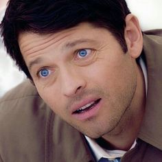 o Geez. If those aren't the bluest eyes that ever blued. Sam Dean, Castiel Angel, Dean And Castiel, Supernatural Destiel, Misha Collins, Chantal, Film Serie, Superwholock, Funny Babies