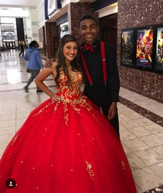 Check out the link to read more about quinceanera ideas! Don't be fearful about letting others help you with segments of planning your quinceanera planning. Xv Dresses, Quince Dresses, Ball Dresses, Ball Gowns, Prom Dresses, Evening Dresses, Sparkly Dresses, Mexican Quinceanera Dresses, Mexican Dresses