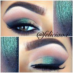 Green and gold eye makeup #WMAlumni #TribePride #WMAA
