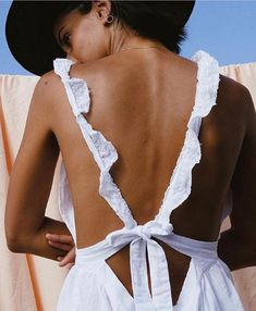 The best spring and summer outfits are low back white lace dresses with a cute straw hat. Oh and don't forget Charles Albert Sterling Silver accessories. Look Fashion, Fashion Outfits, Womens Fashion, Fashion Trends, 90s Fashion, Fashion Bloggers, Street Fashion, Retro Fashion, Girl Fashion