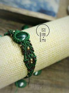 雀蔸 第1步 Macrame Jewelry Tutorial, Macrame Knots, Macrame Bracelets, Photo Tutorial, Craft, Weaving, Stein, Fashion, Friendship