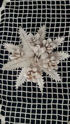 This Pin was discovered by Bah Crochet Doily Rug, Freeform Crochet, Cute Crochet, Irish Crochet, Vintage Crochet, Crochet Flowers, Crochet Stitches, Knit Crochet, Lace Patterns