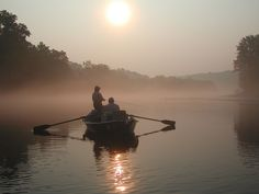 Lake Taneycomo flows through the heart of Branson and offers plenty of opportunities for wonderful vacation memories. LakeTaneycomoPortrait.jpg