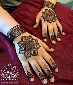 Stylish and unique mehndi designs for girls Mehndi Designs For Girls, Unique Mehndi Designs, Mehndi Designs For Fingers, Beautiful Mehndi Design, Latest Mehndi Designs, Henna Tattoo Designs, Mehandi Designs, Tattoo Ideas, Mehandi Henna