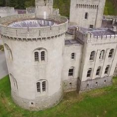 Gosford Castle in Northern Ireland was used as a Game of Thrones filming location and is now up for sale. Castles In Ireland, Ireland Homes, Scotland Castles, Scotland Travel, Ireland Travel, Scotland Trip, King's Landing Map, Game Of Thrones Castles, Places To Travel