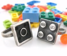 Interlocking LEGO Rings | DudeIWantThat.com
