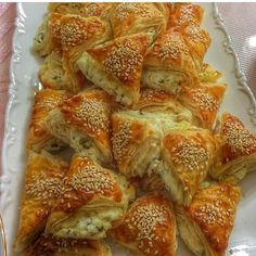 koca pastry is my advice . - World Cuisine Tea Time Snacks, Lunch Snacks, Yummy Snacks, Yummy Food, Turkish Recipes, Ethnic Recipes, German Bread, Around The World Food, Savory Pastry