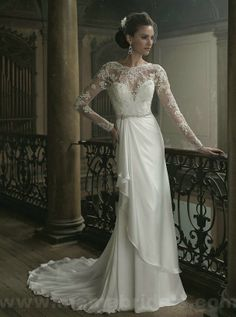 What a delicate and feminine dress, love the vintagy look!  :)