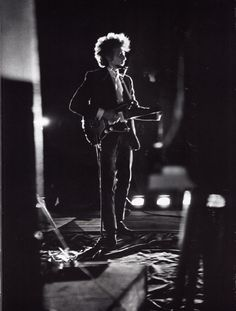 Bob Dylan looking incredible