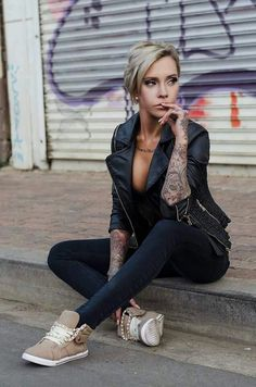 Cat C hottest tattoo model alive !!