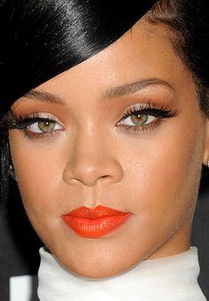 Close-up of Rihanna at the 2014 amfAR LA Inspiration Gala. http://beautyeditor.ca/2014/11/01/amfar-la-inspiration-gala-2014