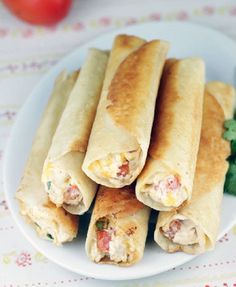 Chubby Chicken and Cream Cheese Taquitos- these look soooo yummy I Love Food, Good Food, Yummy Food, Mexican Dishes, Mexican Food Recipes, Appetizer Recipes, Appetizers, Dinner Recipes, Great Recipes