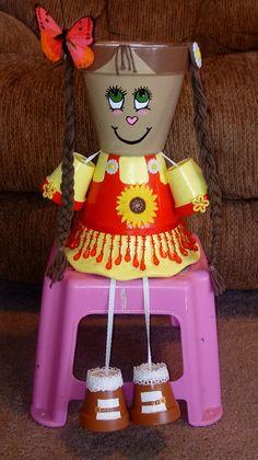 Terra Cotta Pot Girl - Deco How to Crafts Flower Pot Art, Clay Flower Pots, Terracotta Flower Pots, Flower Pot Crafts, Clay Pot Projects, Clay Pot Crafts, Diy Clay, Diy And Crafts, Crafts For Kids