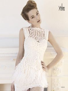 short lace wedding dress by Yolan Cris