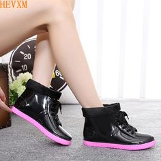 14.24$  Buy here - http://aligju.shopchina.info/go.php?t=32774073171 - HEVXM new fashion low - tube non - slip water shoes spring jelly adult women 's flat - bottomed rain boots rain boots  #magazineonline