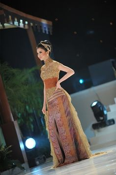 Kebaya for young ladies