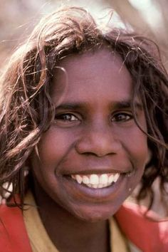 A smiling boy from Borroloola, near the south coast of the Gulf of Carpentaria. Aboriginal Children, Aboriginal History, Aboriginal Culture, Aboriginal People, Aboriginal Man, You Smile, Smile Face, Funny Vintage Ads, Australian Aboriginals