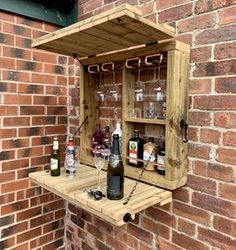 Wooden Garden Wall Bar with Copper Pipe – The CopperMill Workshop Palettes Murales, Diy Außenbar, Bar En Palette, Wood Projects, Woodworking Projects, Outdoor Projects, Furniture Projects, Garden Projects, Woodworking Plans