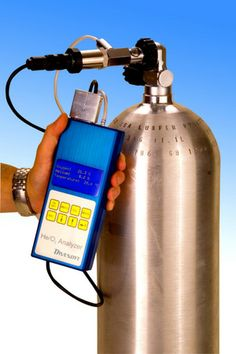 Hi-tech analyzer kit for measuring nitrox and trimix gases.