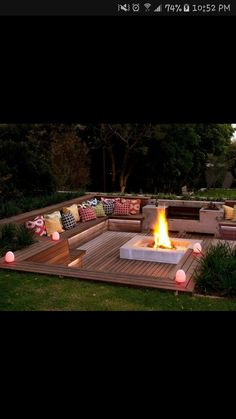 These fire pit ideas and designs will transform your backyard. Check out this list propane fire pit, gas fire pit, fire pit table and lowes fire pit of ways to update your outdoor fire pit ! Find 30 inspiring diy fire pit design ideas in this article. Outside Living, Outdoor Living, Outdoor Life, Backyard Seating, Outdoor Seating, Deck Seating, Cozy Backyard, Cool Backyard Ideas, Deck Patio