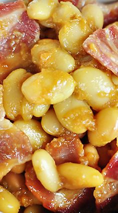 Easy Southern Baked Beans get a southern spin with the addition of bacon and barbecue sauce and are quick to whip up using canned white beans! Southern Food, Southern Recipes, Southern Comfort, Southern Style, Side Dish Recipes, Side Dishes, Main Dishes, Most Popular Recipes, Favorite Recipes