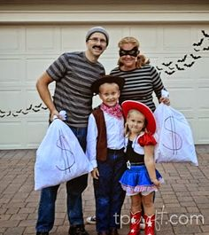 TPcraft.com: Family Costume Idea {Fantastic Fall Crafts & More}