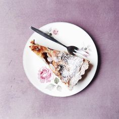 "Mina en Instagram: ""The ""not so plum"" plum cake  #thuischrdam"""