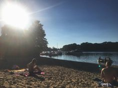 The cool thing about the summer in #Berlin is that afterwork you can bike to the lake and enjoy the evening sun. #meinBerlin #lakelife