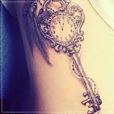 Resultado de imagem para tatuagem chave