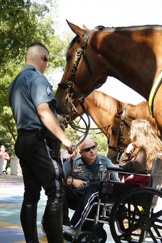 Kansas City Missouri Police Department- Mounted Patrol brings joy to sick girl. For a girl who loves horses and is used to wide open spaces, being stuck at a hospital in midtown Kansas City was difficult. Police Lives Matter, Police Life, Police Dogs, Men In Uniform, Thin Blue Lines, Faith In Humanity, Service Dogs, Law Enforcement, Beautiful Horses