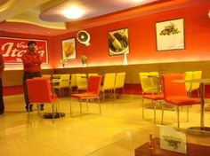 Which is your most favorite Pizza Restaurant In Lahore? Well! It depends on how you exemplify the most favorite; is it the savor of the Pizza that you stand on? Or the sort of services you get from your much loved pizza eatery? Perhaps the superlative restaurant should offer better services to its clientele plus there pizza should give you a rationale to go back for more.