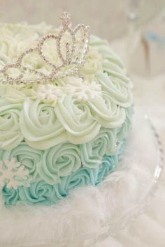 Lovely ombre rosette cake at an Elegant Frozen Birthday Party! I what to have this cake for my sweet 15 Party Frozen Birthday Party, Frozen Theme Party, Queen Birthday, Birthday Parties, Birthday Ideas, 3rd Birthday, Elsa Birthday Cake, Bolo Frozen, Frozen Cake