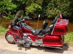 Motos Honda, Sidecar, Ducati, Chopper, Cars And Motorcycles, Motorbikes, Harley Davidson, Vehicles, Dan