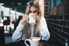 8 Certain Clever Tips: Coffee Ideas Drinks bulletproof coffee meme.Coffee Date Frozen Banana iced coffee quotes. Coffee Shop Photography, Girl Photography, Photography Ideas, Coffee Shot, Coffee Break, Morning Coffee, Sunday Coffee, People Drinking Coffee, Coffee Infographic
