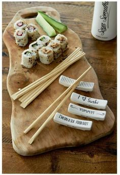 Riviera maison Spring / Summer 2018 Rivera Maison, Sushi Co, Chopstick Holder, Kitchen Dishes, Mini Foods, Asian Recipes, Tablescapes, Diet Recipes, Snacks