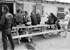 20 Black and White Photos of Life of Hells Angels in 1965