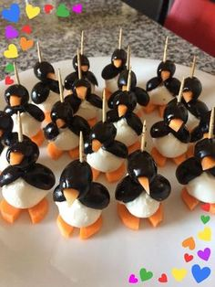 Olives and Mozzarella Penguins - Delicious Antipasto - Selma Yakut Gülcan â . - Olives and Mozzarella Penguins – Delicious Antipasto – Selma Yakut Gülcan – Yummy Appetizers, Appetizers For Party, Cute Food, Yummy Food, Healthy Food, Healthy Recipes, Food Art For Kids, Food Garnishes, Kid Lunches