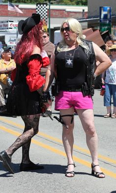 """Men's """"Drag"""" Race: We're sure a bit of trash-talking was going on here."""