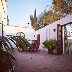 There are just 5 places left on the exquisite Sentia Yoga Spanish Summer Retreat. Don't dally Yogis! Book your spot now http://ift.tt/2eC4Z9w #yogaretreat #spain #sanctuary #retreat #yoga #meditation #sun #anusara #hatha #vinyasa #nidra #chakras #goals #armbalances