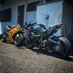 R6 & H2 Via :@naza.trade.empire Check out his feed #R6#H2#YAMAHA#KAWASAKI#chairellbikes4life