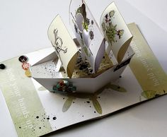 This is an amazing hybrid pop up card using Dido Designs digital kit - Pirate Story! Pop Out Cards, 3d Cards, Origami Flowers Tutorial, Flower Tutorial, Kirigami, Arte Pop Up, Pop Up Karten, Popup, Libros Pop-up