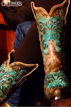These gorgeous embroidered Corral cowboy boots! I want cowboy boots ❤️ Mode Country, Estilo Country, Country Girls, Cowgirl Style, Cowgirl Boots, Cowboy Boots Women, Western Style, Western Wear, Western Boots