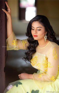 Sreemukhi Beautiful HD Photoshoot Stills & Mobile Wallpapers HD Beautiful Girl Indian, Beautiful Indian Actress, Beautiful Actresses, India Beauty, Asian Beauty, Girl Pictures, Girl Photos, Hd Photos, Hd Wallpapers For Mobile