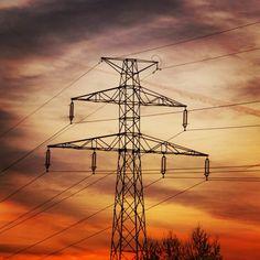 #highvoltage #urban #sunset ⭐ #elektryczny #zachod #slonca ⭐ #wroclove #wroclaw #skarbowcow #krzyki #dolnoslaskie #igerswroclaw #igerspoland #igerspolska #sky #skyporn #chmury #niebo